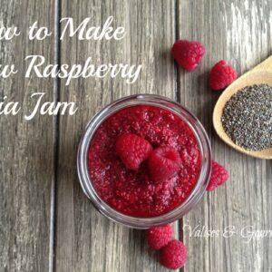 How to make raw raspberry chia jam