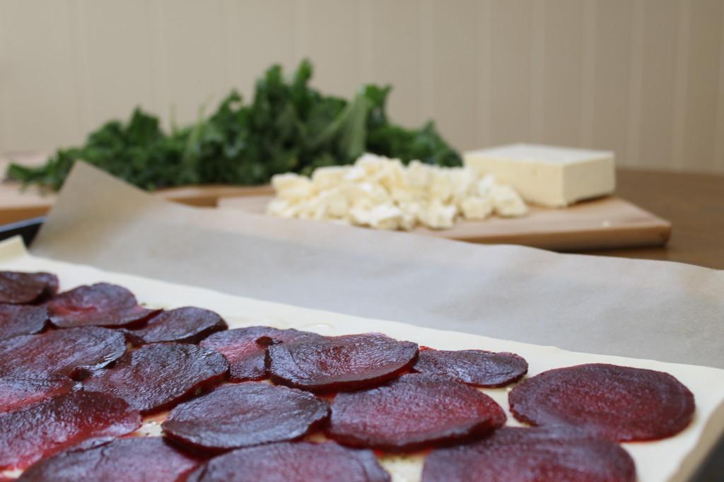 pizza betterave, kale et fromage feta