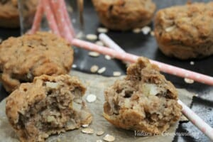Easy Apple & Oats Muffins - Vegan and super healthy! www.valisesetgourmandises.com