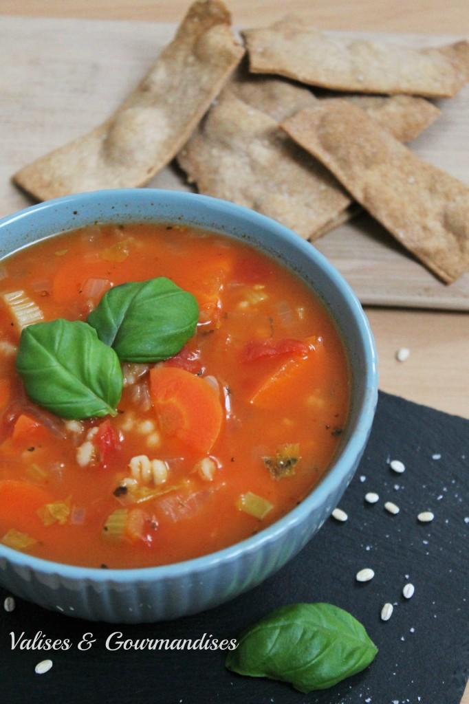 Soupe à l'orge et aux légumes réconfortante, digne de la meilleure des mamies!