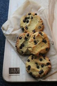 Biscuits à la farine de pois chiches et aux brisures de chocolat