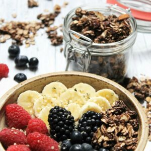 Oil-free chocolate granola