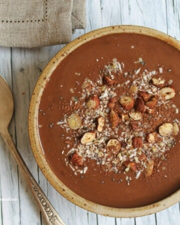 Vegan mocha smoothie bowl - Valises & Gourmandises