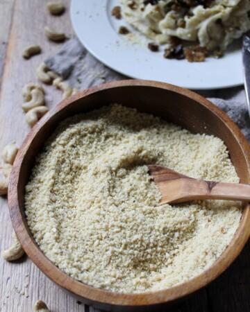 Parmesan de cajou cru, riche en b12