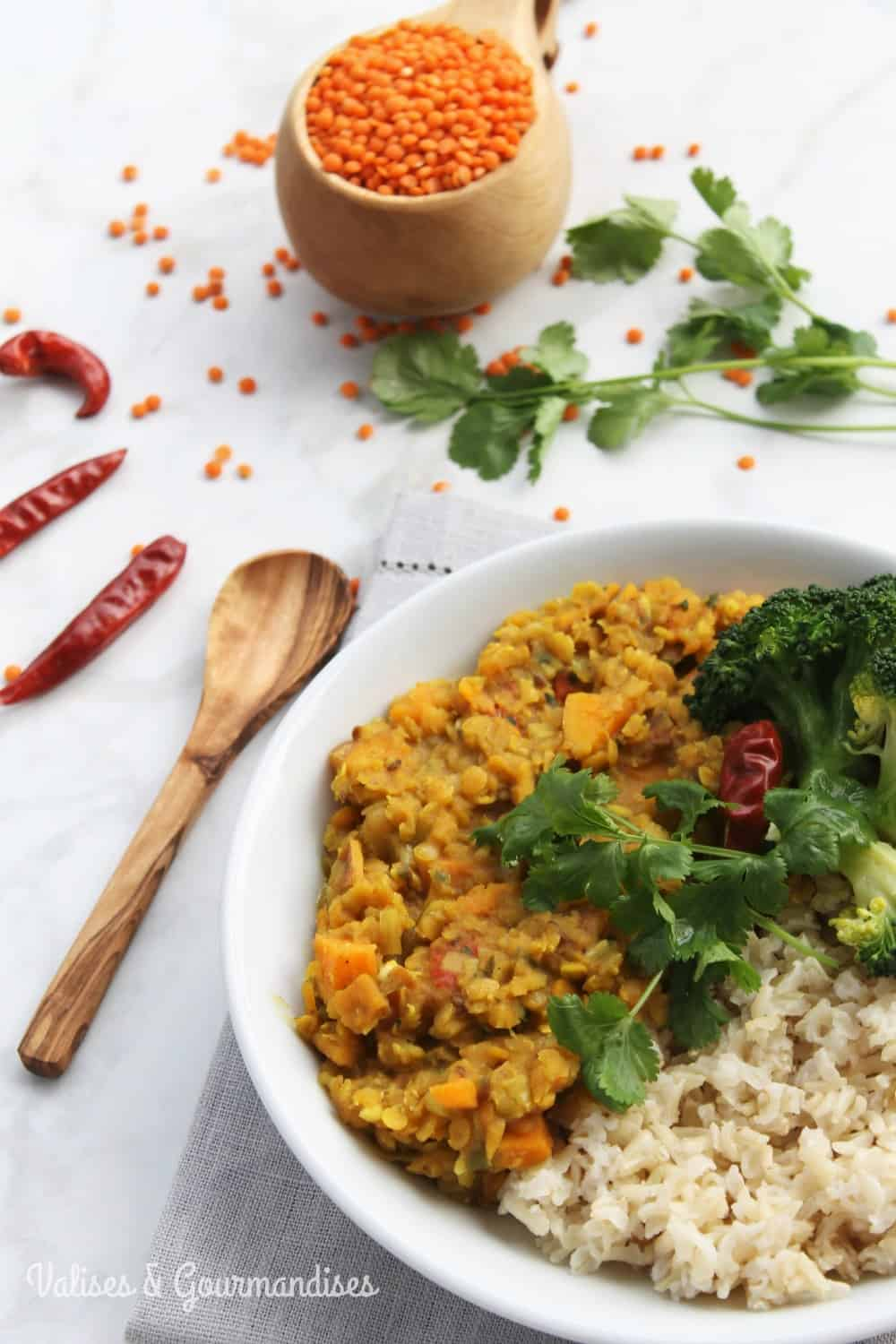This healthy red lentil dal is an easy & delicious way to include more beans into your diet. The addition of sweet potato & leek takes it to the next level!