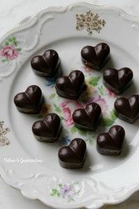 Pralines véganes au caramel de dattes