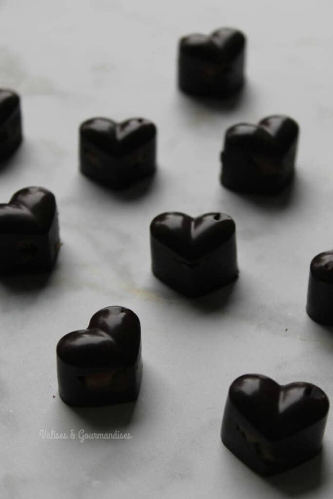 raw vegan chocolate pralines with date caramel