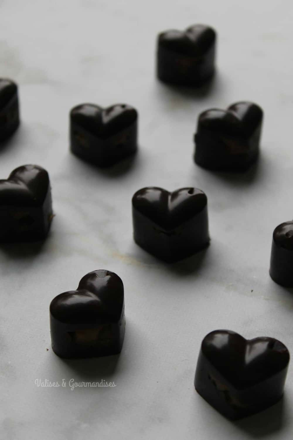 raw vegan chocolate pralines with date caramel