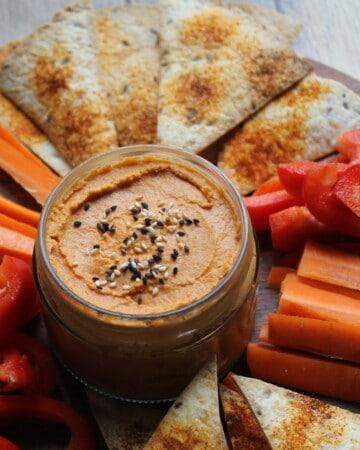 Hummus facile aux poivrons rouges rôtis - Valises & Gourmandises