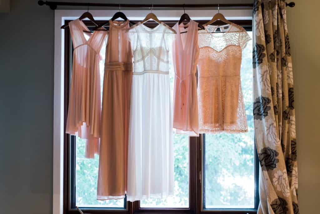 Robes de mariée et des demoiselles d'honneur