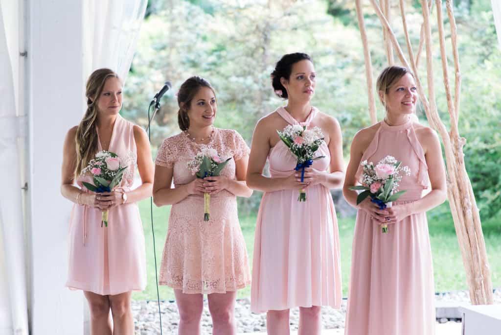 Robes et bouquets de demoiselles d'honneur rose pâle, Mon mariage végane