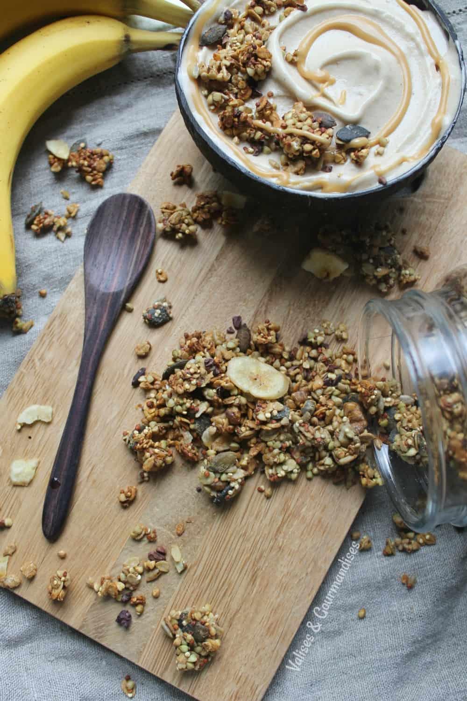 Vegan chunky monkey granola, sugar & oil-free