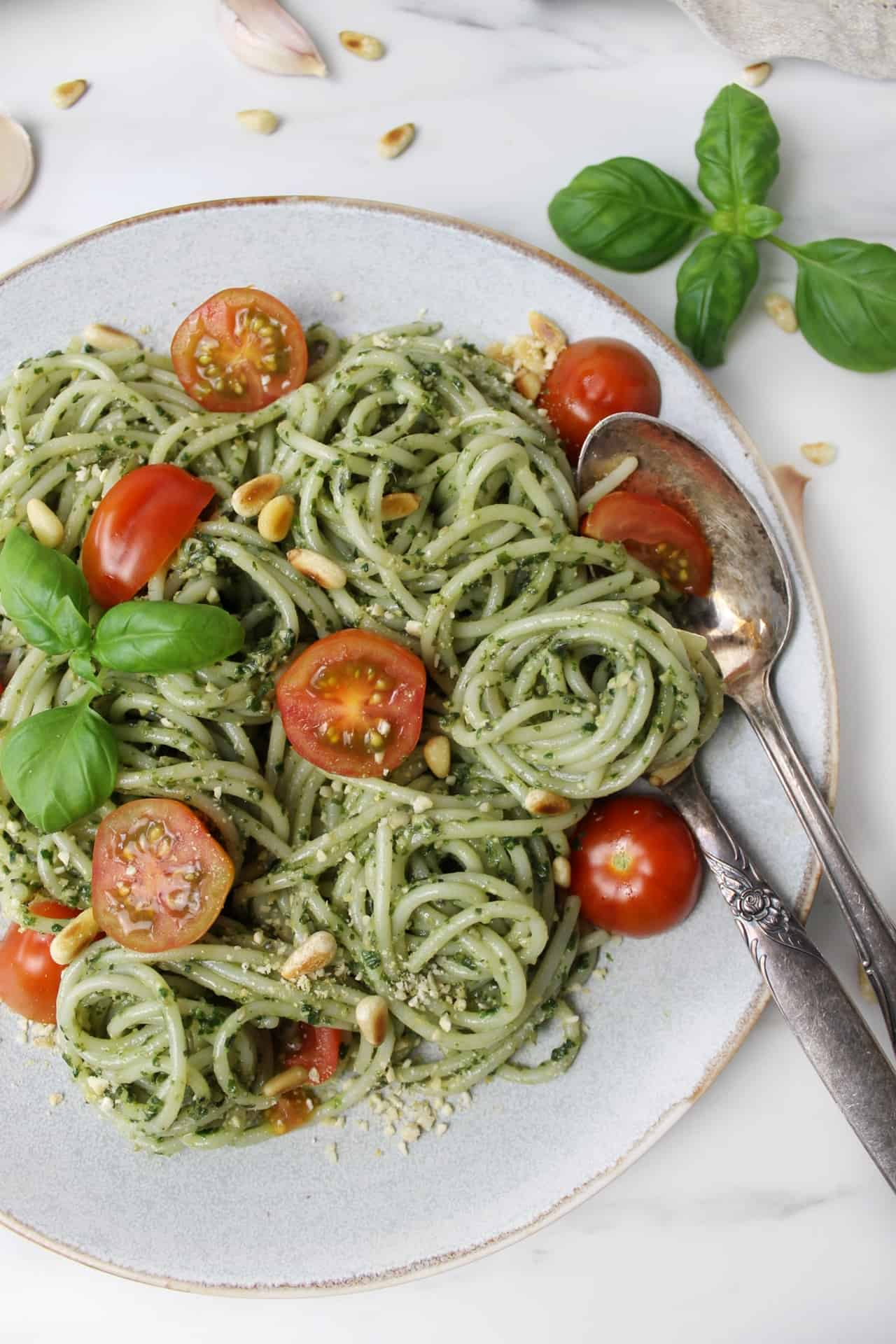 Vegan pesto pasta - easy weeknight recipe