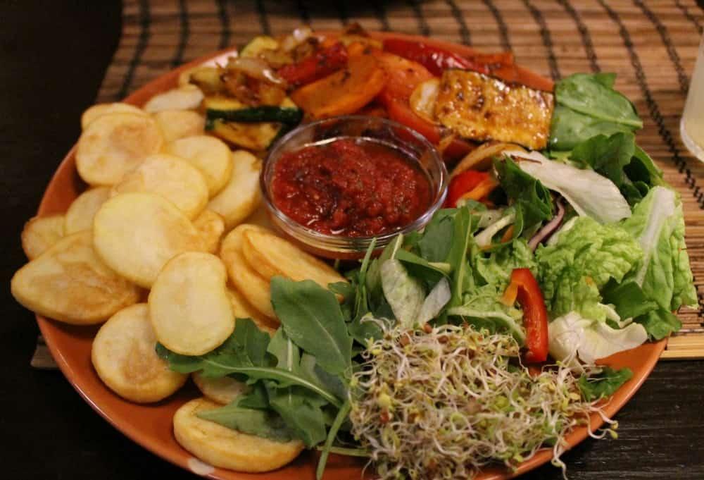 Kozmosz vegan food in Budapest