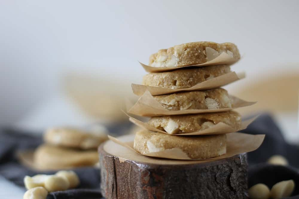 Vegan macadamia white chocolate cookies