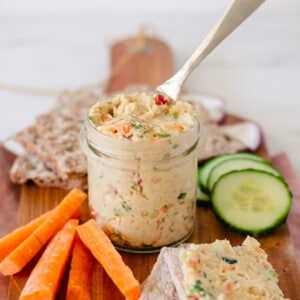 Vegan smoked tofu spread - Perfect for lunches!