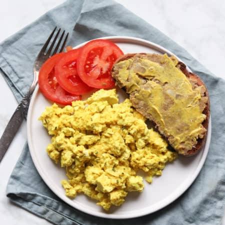 Le meilleur tofu brouillé végane - Valises & Gourmandises