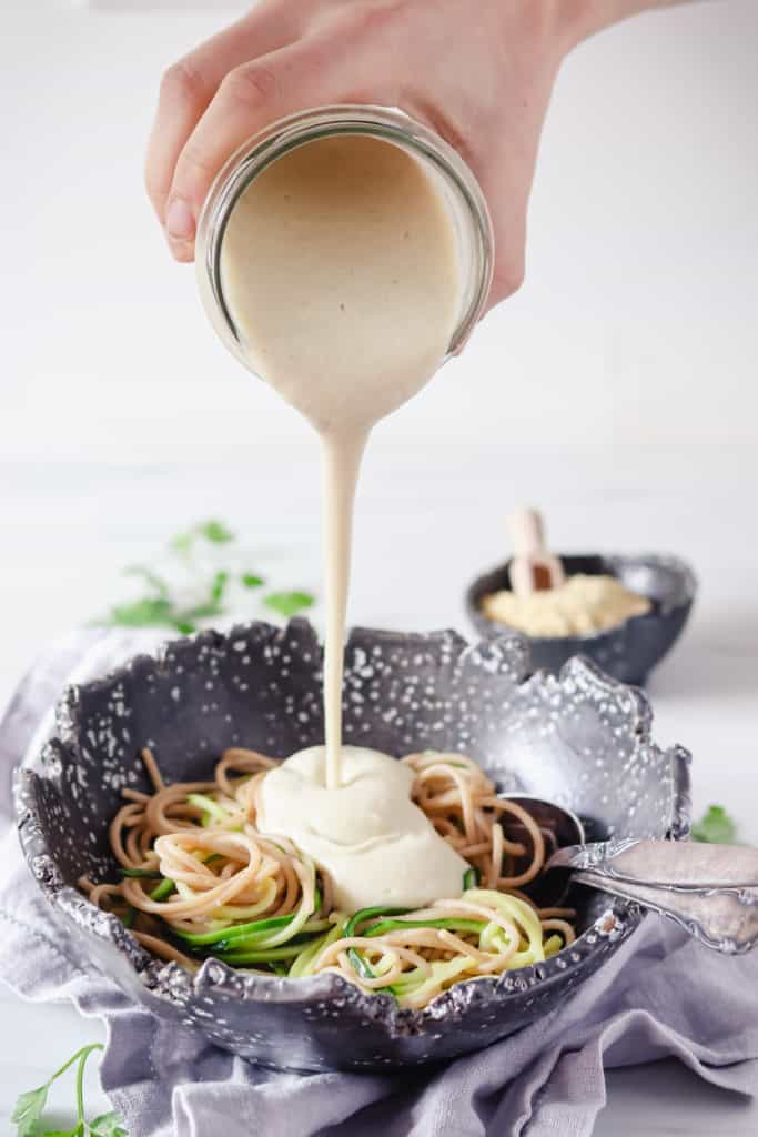 Oil-free & vegan Alfredo sauce made with cauliflower and cashews - Valises & Gourmandises