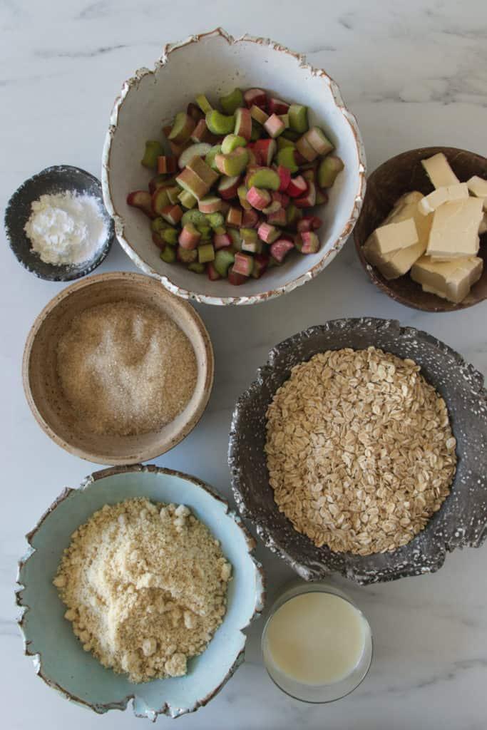 ingrédients du gâteau à la rhubarbe